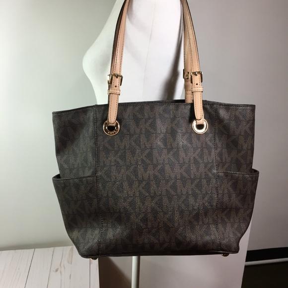 Michael Kors Handbags - Michael Kors Jet Set Brown Tote